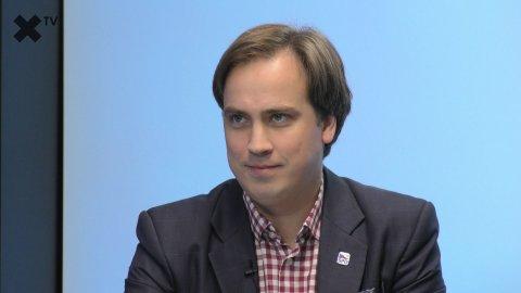 """""""Jsem pro zestátnění českých veřejnoprávních médií. Agenda LGBT není žádné téma, občany mimo Prahu vůbec nezajímá."""" – říká Josef Nerušil"""